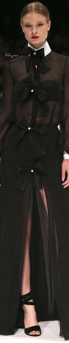 Djaba Diassamidze Tbilisi Fall 2018 Women's Dresses, Pretty Dresses, Fashion 2018, Womens Fashion, Luxury Lifestyle Fashion, Black White Fashion, Couture, Fall 2018, Black And Brown