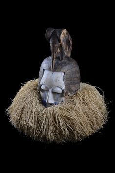 Masks Art, African Masks, Tribal Art, Republic Of The Congo, Ancient Art, Art Market, Fantasy Characters, Helmet, Sculpture