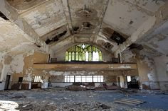 It is such a shame when a beautiful building turns into ruin..