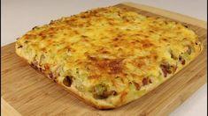 Vynikajúce jedlo starých materí, ktoré zasýti celú rodinu. Plnená zemiaková placka s kapustovo-mäsovou zmesou. Perfektný nápad na rýchly a vynikajúci obed. Kefir, Lasagna, Quiche, Pizza, Cooking Recipes, Treats, Cheese, Breakfast, Ethnic Recipes