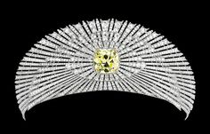 Sun Tiara (1907; made by Cartier; yellow diamond, white diamonds, platinum, yellow gold). Alternate sapphire setting.