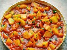 Οι πατάτες γιαχνί είναι ένα εύκολο, νηστίσιμο και χορταστικό φαγητό, ιδανικό για να το μαγειρέψετε τετάρτη και παρασκευή. Bread Dumplings, Stale Bread, Shellfish Recipes, Fried Fish, Greek Recipes, Cantaloupe, Sweet Potato, Kai, Fries