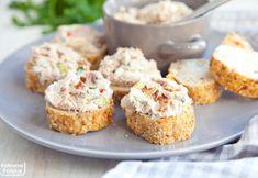 Co zrobić z mięsem po gotowaniu zupy? Mamy przepis na pyszną pastę kanapkową Muffin, Food And Drink, Cookies, Breakfast, Recipes, Kitchen, Diet, Home Canning, Crack Crackers