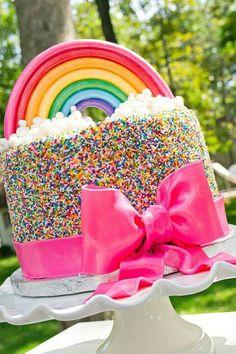 Lovely Rainbow Cake! <3  | F&L's Favourite Coloured Wedding Ideas http://www.pinterest.com/FLDesignerGuide/colours-colours-colours/