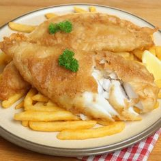 This beer batter fish and chips recipe is a perfect choice to make for a Saturday afternoon dish. Beer Batter Fish And Chips Recipe from Grandmothers Kitchen. Greek Recipes, Fish Recipes, Seafood Recipes, Cooking Recipes, Recipies, Crepes, Fish Batter Recipe, Beer Battered Fish, State Foods