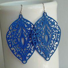 Two things I love: filigree patterns + cobalt blue.
