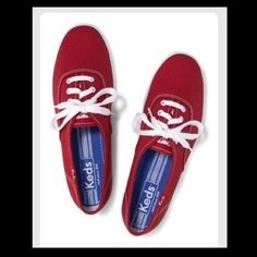 ✨Red Keds Shoes✨ In great condition! Shoe laces are a little discolored but, overall the shoes are in good shape. Make an offer  says sz. 6.5 but fits a 6 keds Shoes