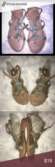 🆕 Cynthia Rowley Beaded Gladiator Strappy Thongs So gorgeous, stylish and unique! Neutral tan strappy thong style sandals with turquoise and Bling Beaded detail. Brand new, never worn. Excellent quality and condition, no flaws. Check out my other listings to bundle and save 25% 😎! Cynthia Rowley Shoes Sandals