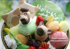 Adorable cat ice-creams