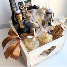 Check these creative presents and amazing DIY gift Gift Box For Men, Diy Gifts For Men, Diy For Men, Valentines Gifts For Boyfriend, Gifts For Your Boyfriend, Valentine Gifts, Boyfriend Birthday, Men Birthday, Birthday Ideas