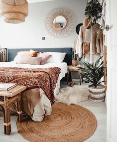 12 boho bedroom ideas thatll make you want to redecorate asap 5 Bohemian Bedroom Decor ASAP Bedroom Boho Ideas Redecorate Thatll Bohemian Bedroom Design, Boho Bedroom Decor, Bedroom Vintage, Bedroom Inspo, Decor Room, Diy Home Decor, Bedroom Designs, Bedroom Ideas, Bohemian Bedrooms