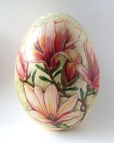 decoupage - May 15 8 Egg Crafts, Easter Crafts, Easter Decor, Decoupage, Incredible Eggs, Egg Shell Art, Carved Eggs, Easter Egg Designs, Ukrainian Easter Eggs