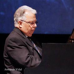 Armando Vidal, piano