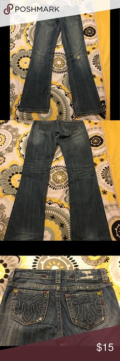 Mek blue jeans Size 25 which is a size 0, good condition, knee rip on right leg, length is 30 1/2 inches and bottom opening is 6 1/2 inches. Bottom opening is professionally hemmed by The Buckle seamstress, slim fit, low rise, from a smoke and pet free home MEK Jeans Straight Leg