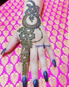 Latest Simple Arabic Mehndi Designs for Back Hand 2020 Henna Tattoo Designs Simple, Simple Arabic Mehndi Designs, Mehndi Designs Book, Full Hand Mehndi Designs, Modern Mehndi Designs, Mehndi Design Pictures, Mehndi Designs For Beginners, Mehndi Designs For Girls, Wedding Mehndi Designs