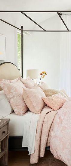 Monique Lhuilier Bedding