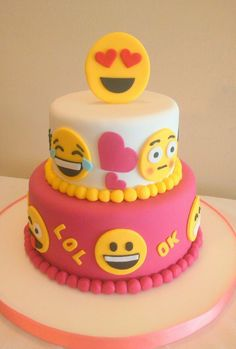 The cake is really fantastic Bolo Jake, Fondant Cakes, Cupcake Cakes, Emoji Cake, Girl Cakes, Pretty Cakes, Creative Cakes, Celebration Cakes, Cake Designs