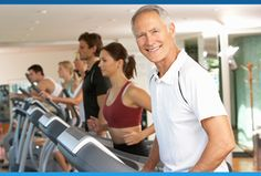 Cerca de 30% dos idosos brasileiros sofre de diabetes e hipertensão ao mesmo tempo. As duas doenças não mas podem ser controladas com medicamentos e bons hábitos de vida. Saiba mais.