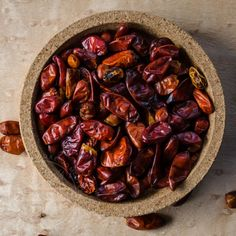 A handy primer and guide to the most common and important Mexican chilies, arranged categorically, with links to individual guides for each variety. Mexican Cooking, Mexican Food Recipes, Mexican Chili, Dried Peppers, Beans, Stuffed Peppers, Dinner, Vegetables, Hot