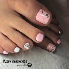 40 Toe Nail Designs Beautiful and nourished feet are a must have. Take a closer look at our suggestions for cute toe nail designs that will complement every outfit this summer. Pink Toe Nails, Pretty Toe Nails, Summer Toe Nails, Cute Toe Nails, Pretty Toes, Diy Nails, Gel Manicures, Pink Toes, Stiletto Nails