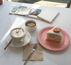 pinterest // @reflxctor strawberry desert with cappuccino  ☕️