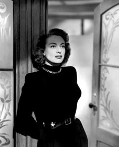 Joan Crawford as Daisy Kenyon Old Hollywood Stars, Vintage Hollywood, Classic Hollywood, Hollywood Style, Hollywood Icons, Joan Crawford, Hollywood Actresses, Actors & Actresses, 30 Day Abs