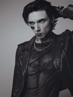 Gorgeous Waist Tutorials From Home Black Viel Brides, Black Veil Brides Andy, Andy Black, Andy Biersack, Punk Rock, Ronnie Radke, Alan Ashby, Band Pictures, Queen Pictures