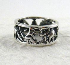 dinosaur ring. so much want.