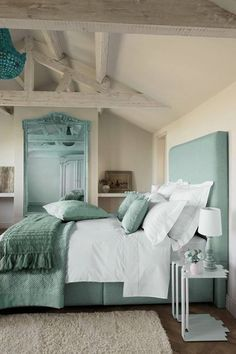 aqua & cream master bedroom