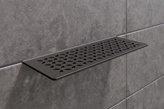 Eleganti mensole a parete Schlüter-SHELF-W per docce di design Bathroom Floor Tiles, Bathroom Renos, Bathroom Fixtures, Bathrooms, Bad Inspiration, Bathroom Inspiration, Master Bathroom Layout, Small Bathroom, Glass Shower Shelves
