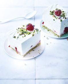 Cheesecake sans cuisson au chocolat blanc, pistaches et framboises pour 4 personnes - Recettes Elle à Table