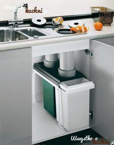 recycling and compost to cans below counters! Otwory na odpadki przy Countertop recycling and compost to cans below counters! Otwory na odpadki przy . -Countertop recycling and compost to cans below counters! Otwory na odpadki przy . Apartment Kitchen, Home Decor Kitchen, Kitchen Furniture, New Kitchen, Home Kitchens, Kitchen Ideas, Kitchen Grey, Shaker Kitchen, Minimal Kitchen