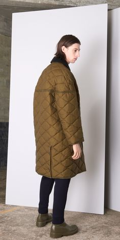 Quilted Doudoune for Men Celine Coat, Unisex Looks, Birthday Fashion, Young Designers, Style Casual, Down Coat, Quilted Jacket, Mode Style, Stylish Men