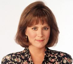 Patricia Richardson Character: poised, understanding Jill Taylor on Home Improvement -she's spent the last few years appearing in various made for TV movies. She also, notably, had a brief stint on The West Wing. Patricia Richardson, Jill Taylor, Tv Moms, Tv Show Casting, Home Improvement Tv Show, Gym Decor, Kitchen On A Budget, Trendy Home, Artists