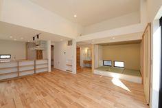 広々としたリビング(阿久比町の家) - リビングダイニング事例|SUVACO(スバコ) Room, Home Decor, Bedroom, Decoration Home, Room Decor, Rooms, Home Interior Design, Rum, Home Decoration