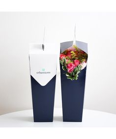 Prime Studio created packaging for Urban Stems, bringing freshness to flower delivery. Flower Box Gift, Flower Boxes, How To Wrap Flowers, Bunch Of Flowers, Food Packaging Design, Packaging Ideas, Sun Projects, Minimal Web Design, Flower Boutique