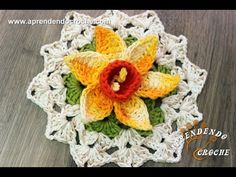 Flor de Crochê Narciso - Aprendendo Croche - YouTube Freeform Crochet, Filet Crochet, Crochet Motif, Irish Crochet, Crotchet Patterns, Baby Knitting Patterns, Embroidery Patterns, Crochet Flower Tutorial, Crochet Flowers