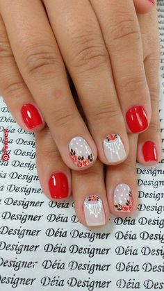 Nail art Christmas - the festive spirit on the nails. Over 70 creative ideas and tutorials - My Nails Fancy Nails, Love Nails, Red Nails, How To Do Nails, Pretty Nails, Style Nails, Hallographic Nails, Trendy Nail Art, Gel Nail Designs