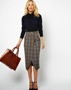 How To Wear Plaid Trend – The femininity mystique Mode Outfits, Skirt Outfits, Casual Outfits, Fashion Outfits, Tartan Skirt Outfit, Office Fashion, Work Fashion, Modest Fashion, Trendy Fashion