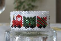 Train Tea Light Cover Pattern at Sova-Enterprises.com lots of free beading patterns and tutorials are available!