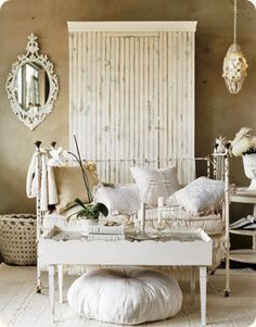 "I love that mirror! I love it all!Servies en Brocante: ""boem is hoo"""