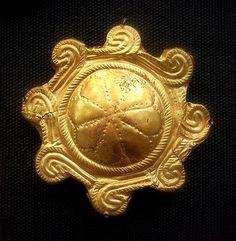 (Millennium Oldest Gold) Minoan Gold Aigina treasure Plaque. ca 1850-1550 BCE. British Museum, UK. Minos, Greece.
