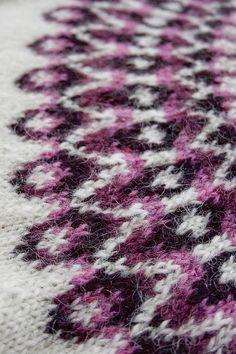 Ravelry: Blossi Icelandic lopi sweater/lopapeysa pattern by Sarah Dearne Knitting Stitches, Knitting Designs, Knitting Patterns, Knit Basket, Cascade Yarn, Knit In The Round, Fair Isle Knitting, Pattern Library, Knitting For Beginners
