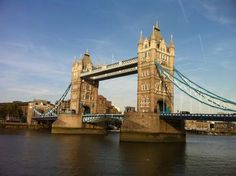 How to Travel While Studying Abroad in London: 13 Steps