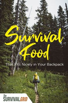 Survival food prep should include food that is easy to pack and doesn't take up a lot of space. Check out these survival and prepper tips on food to fit in your backpack or bug out bag. Urban Survival, Survival Food, Wilderness Survival, Survival Prepping, Survival Skills, Survival Quotes, Prepper Food, Doomsday Prepping, Survival Hacks