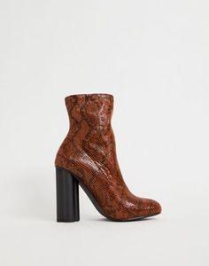 92b59f32c38 ASOS DESIGN - Eliza - Bottines effet chaussettes à motif peau de serpent et  talons Peau