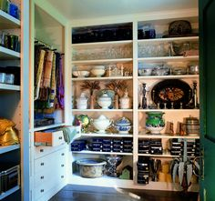 The party closet at designer Bunny Williams's Connecticut country home features shelving for large tureens and serving platters, along with a rod from which she hangs table linens. Ceiling Shelves, Shelving, Nantucket Home, Butler Pantry, Closet Storage, Bars For Home, Table Linens, Kitchen Decor, Kitchen Pantry
