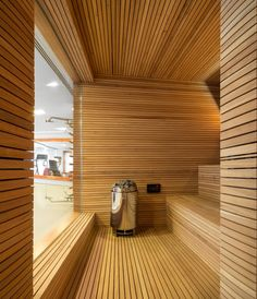 Sauna/The P House designed by Studio & Marcio Kogan + Lair Reis, São Paulo, Brazil - Sauna Steam Room, Sauna Room, Modern Saunas, Sauna A Vapor, Home Spa Room, Indoor Sauna, Studio Mk27, Sauna House, Sauna Design