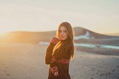 Desert sand dunes shoot. Stephanie Sunderland Photography. Fashion Photography. Utah Photographer. Cute black dress. Pretty makeup. Gypsy shoot.