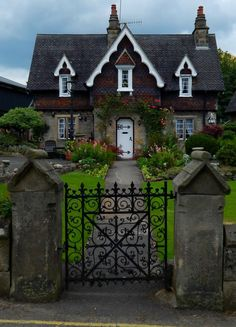 Charming storybook cottage in Ilam, Staffordshire, Peak District, England, UK. Storybook Homes, Storybook Cottage, Stone Cottages, Cabins And Cottages, Cute Cottage, Cottage Style, Cottage Living, Cottage Homes, Casas Country